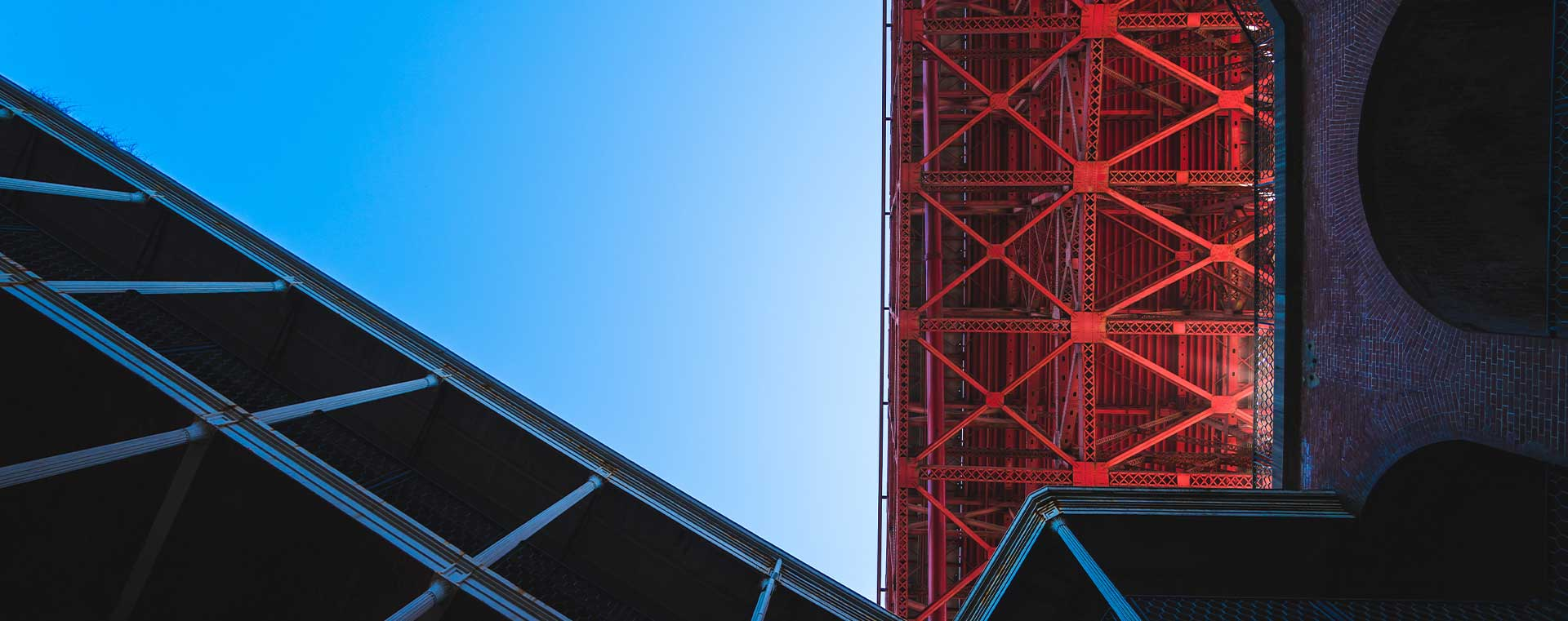 bottom-red-bridge-blue-sky