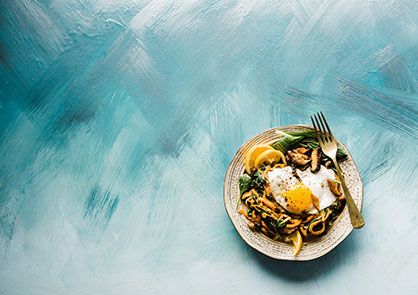 lunch-plate-white-blue-background